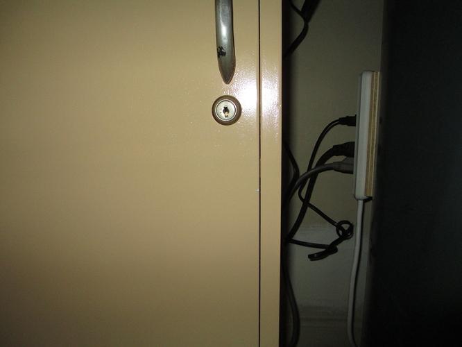 17-door-closed