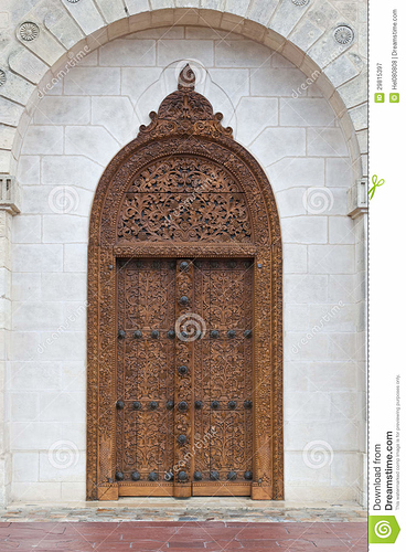 entrance-door-chateau-cos-destourne-one-best-vineyards-bordeauxl-29815397